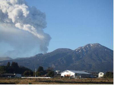 2月1日噴火、小林市から