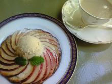 紅茶とアップルパイ