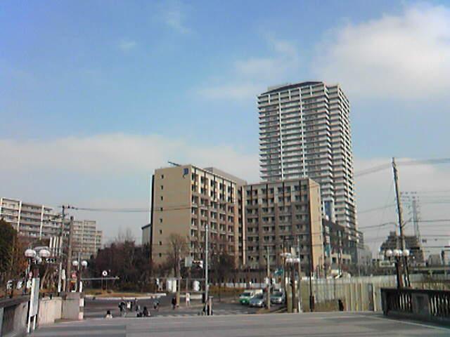 ちょっと近代都市っぽく撮れました。