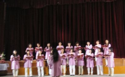 choir-mayur041210a.jpg