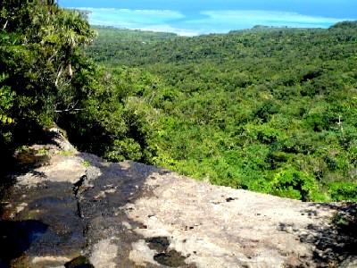 二段目の崖上