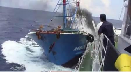 尖閣沖での衝突の瞬間