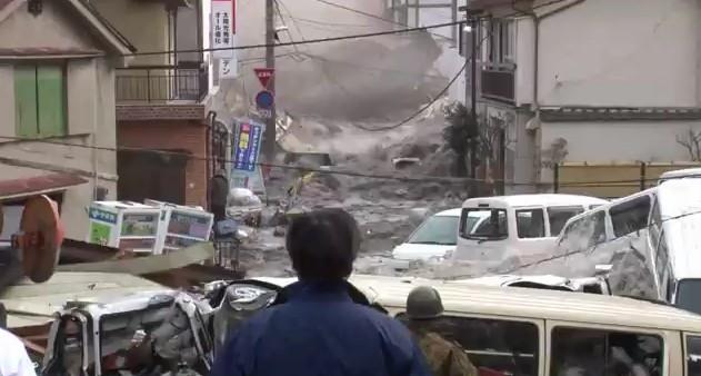 おっそろしい津波の動画がアップロードされる   ニュース2 ...
