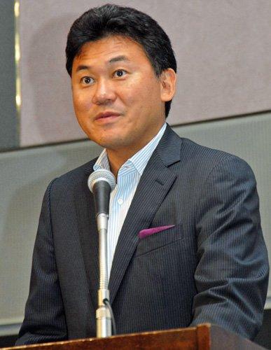 楽天の三木谷社長が日本語で講演