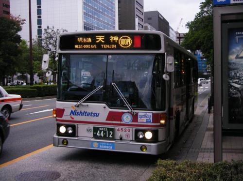 6914が運用離脱したため、後釜として都心循環に入り始めた千代最古参4520
