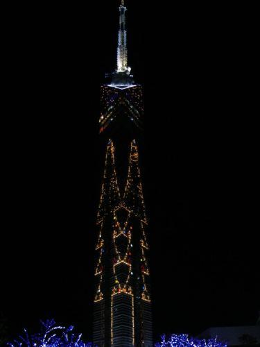 クリスマスイルミネーションIN福岡タワー。毎年恒例の光景です