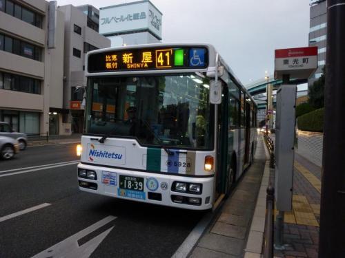 昨年12月改正で登場した41番新屋行き。板付線で唯一のSL5928が運用されています。