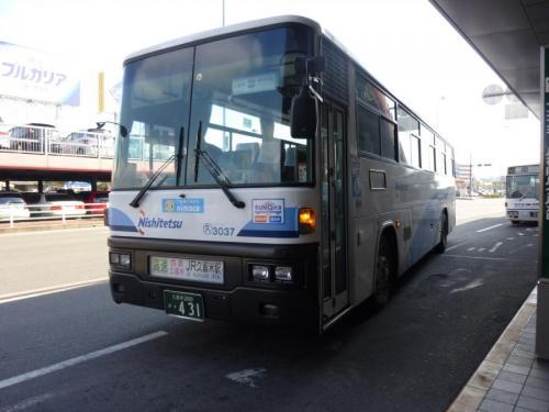 福岡空港にて京町3037。塗装は福北。当然路線が違うので「FukuHokuLine」の表記は無し