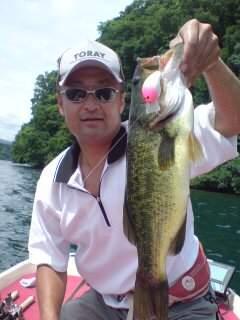 20110801 ノーネイムで釣れたラージ