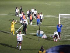 試合終了後 選手とスタッフのハイタッチが本当に嬉しそうだった