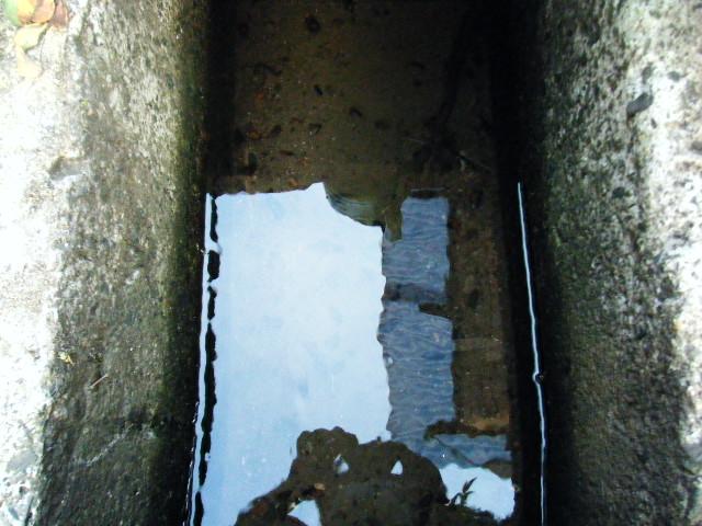 用水路の水