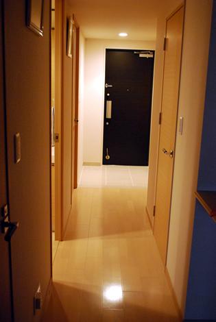 タワーマンションの玄関