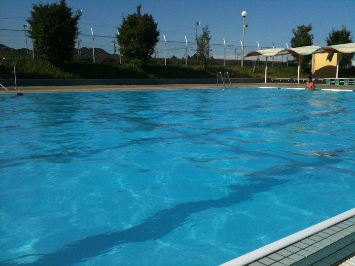 田舎の学校のプール