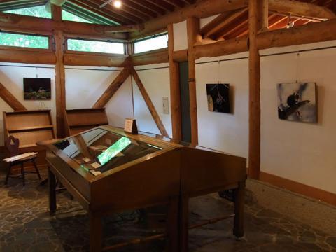 絵本の森展示2