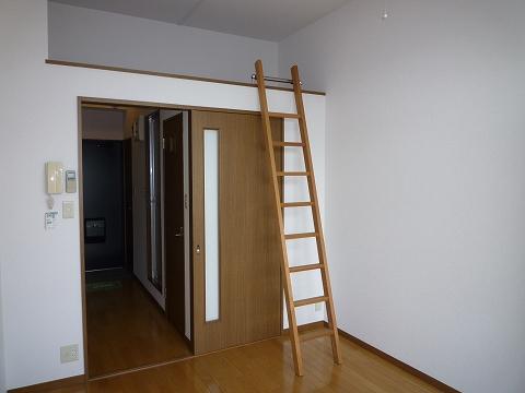アースライズ302洋室
