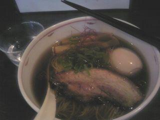 醤油らぁ麺+煮玉子@麺やBAR 渦 (藤沢市)