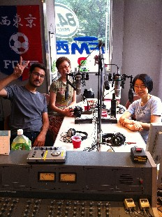 ラジオ三人