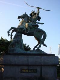 日本一の義経騎馬像