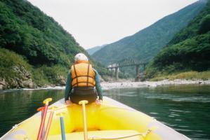キレイな景色を眺めながらゆっくりボートが進んでいくことも、たまにはあります。