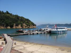 船が六口島に到着しました