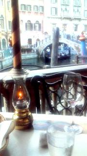 8月17日 ベネチアレストランテーブル