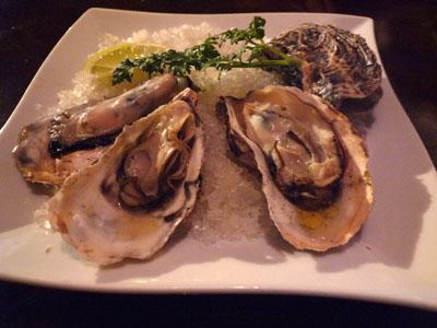 ナポリ 牡蠣の石釜焼き