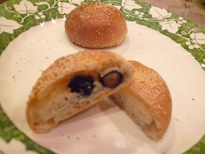 きんとき。黒豆パン