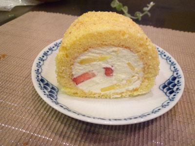 ロールケーキメガ盛り1