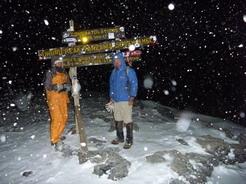 30mar2010 ウフル・ピークは吹雪0600