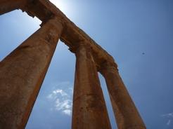 18jun2010 バールベック ジュピター神殿の石柱