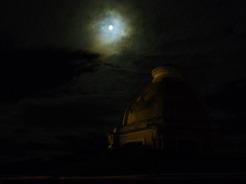 25jul2010 宿の屋上から 満月