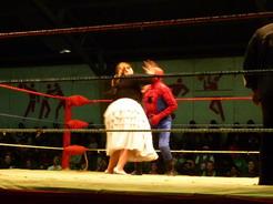 3oct2010 おばちゃん vs スパイダーマン