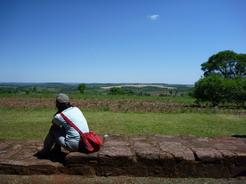 26oct2010 遺跡の周りは一面の森と畑