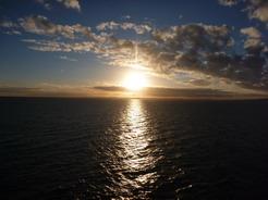 12nov2010 チロエ島に沈む夕日