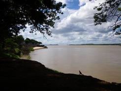 2dec2010 オリノコ川 川幅の狭まっているところでこのスケール