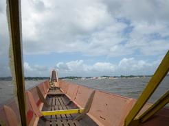 17jan2011 ボートでスリナムのアルビーナへ渡る