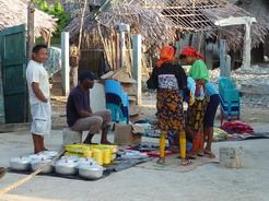 9feb2011 クナ族の女性