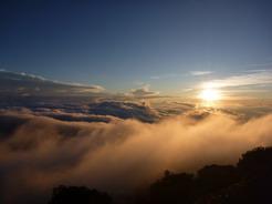 26feb2011 テントから見る雲海