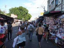 18mar2011 中央市場の外れの方
