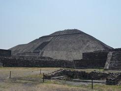 20may2011 太陽のピラミッド