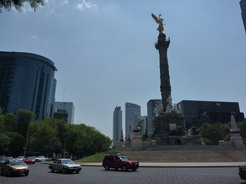 23may2011 メキシコ・シティのシンボル独立記念塔