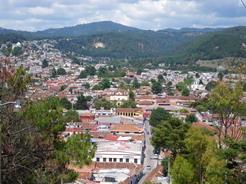 30may2011 階段の上から望むサンクリの町