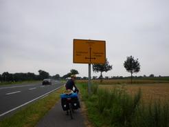 13jul2011 ドイツの道路標識はこんな感じ