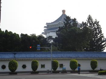 記念堂の壁