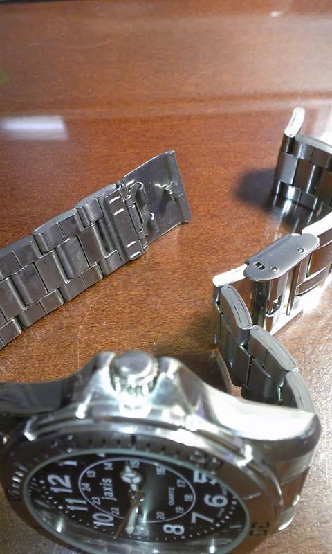 スライド式の旧腕時計