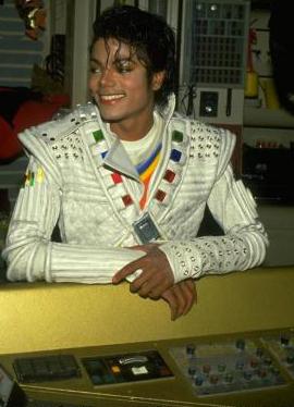 MJ_EO_01.jpg