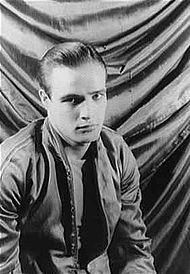 Marlon_Brando_1948.jpg