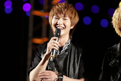 110804-onew15.png