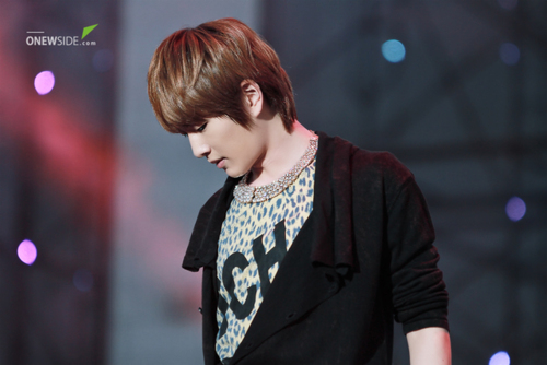 110908-onew8.png