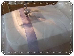 リボンを縫い付ける